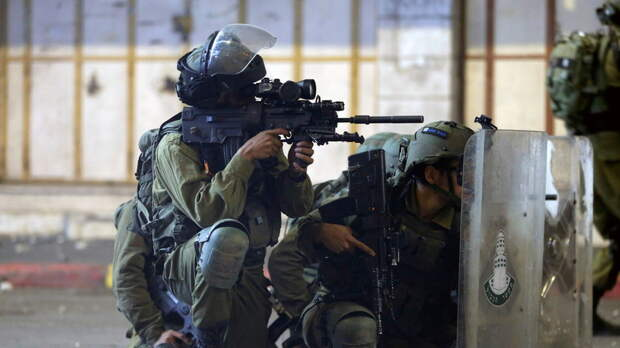 Нетаньяху объявил режим ЧП в израильском Лоде из-за беспорядков