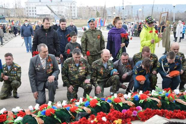 121 автомобилист Братска принял участие во флешмобе, посвященном Дню Победы