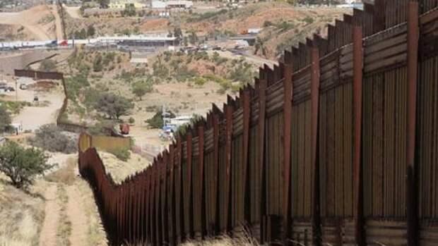 Власти Техаса намерены построить стену на границе с Мексикой
