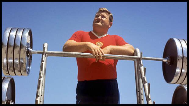 В Запорожье 14 января в возрасте 77 лет скончался двукратный олимпийский чемпион по тяжёлой атлетике, четырёхкратный чемпион мира, двукратный чемпион Европы, пятикратный чемпион СССР Леонид Иванович Жаботинский.