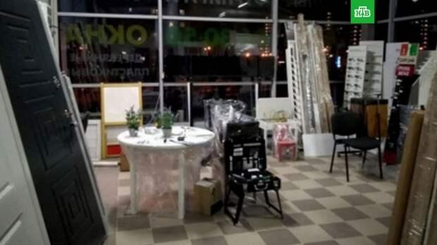 Металлическая дверь рухнула на ребенка в магазине в Калининграде