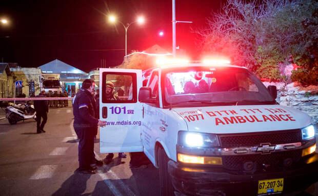 В результате наезда автомобиля на пешеходов в Иерусалиме пострадало шесть человек