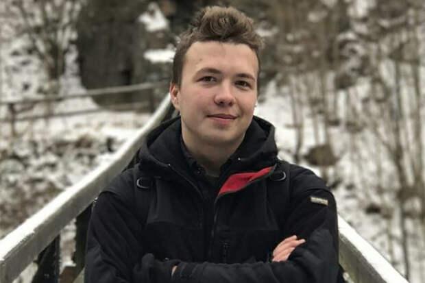 Лукашенко лишил воинских званий отца основателя Telegram-канала NEXTA