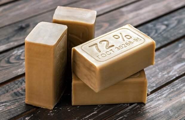 Хозяйственное мыло - натуральный отбеливатель/ Фото: a.allegroimg.com