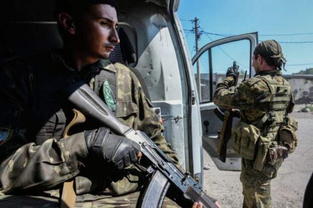 Войска ДНР обошли Мариуполь с севера и вышли к Азовскому морю