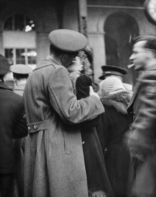 Прощание влюбленных на Пенсильванском вокзале в 1943