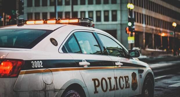 В США неизвестный устроил стрельбу в торговом центре