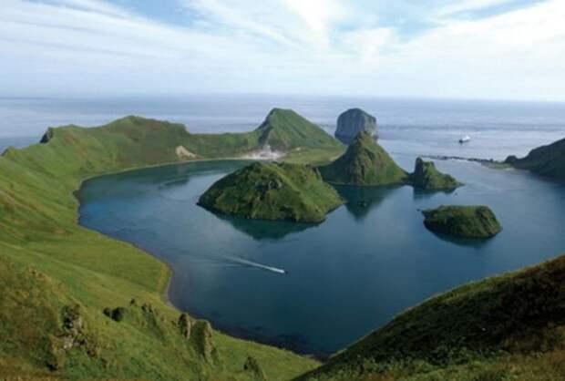 Почему Курильские острова так называются?