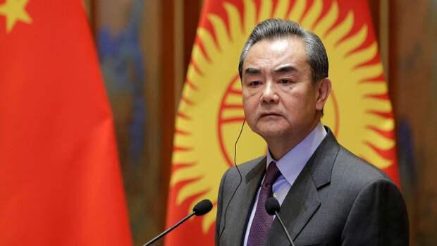 """Глава МИД КНР обвинил """"иностранные силы"""" в подготовке протестов в Гонконге"""