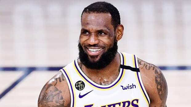 «Лейкерс» проиграли «Бруклину», Леброн стал 3-м игроком НБА с 35 тысячами очков за карьеру