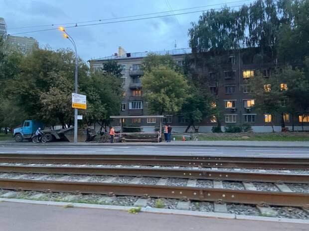 На Новощукинской смонтировали новую остановку