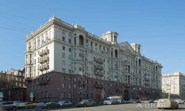 Щербаков: в Москве ищут желающих купить мансарду на Земляном Валу
