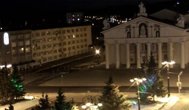 Здания вцентре Нижнего Тагила наодин час остались без подсветки