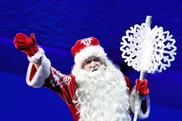Дед Мороз из Великого Устюга привился от COVID-19