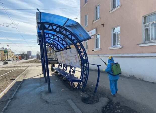 Фотограф из Ижевска создал серию снимков о жизни города в период весеннего локдауна