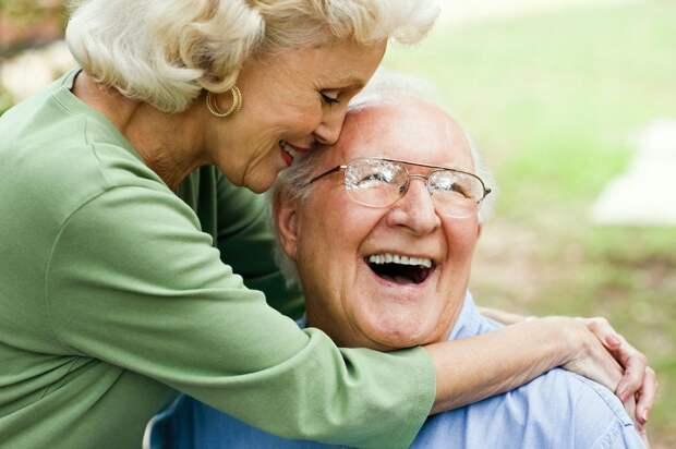 В каком возрасте появляется старческий запах и как с ним бороться