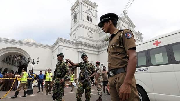 Associated Press: взрывы на Шри-Ланке устроили семеро смертников