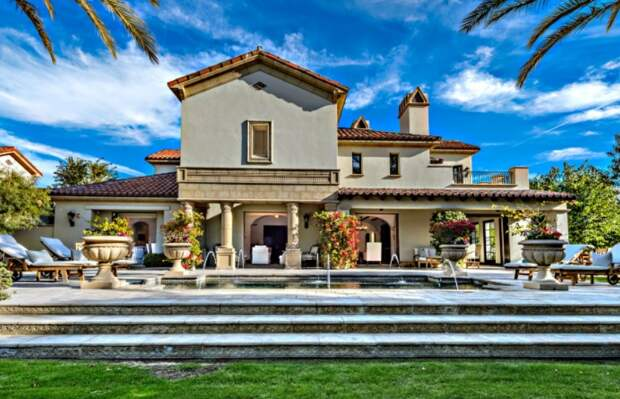 Почем в США продают особняк актера Сильвестра Сталлоне