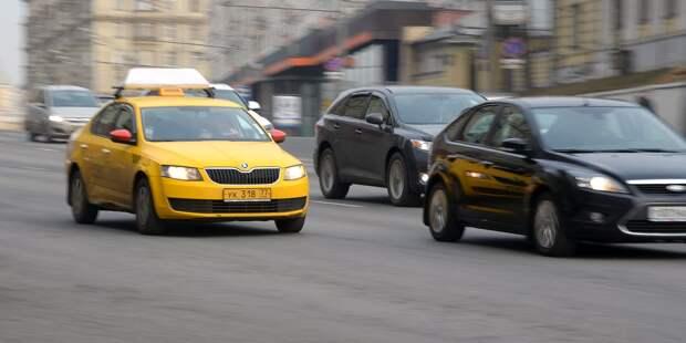 Таксист решил, что клиент умер и отвёз его в полицию