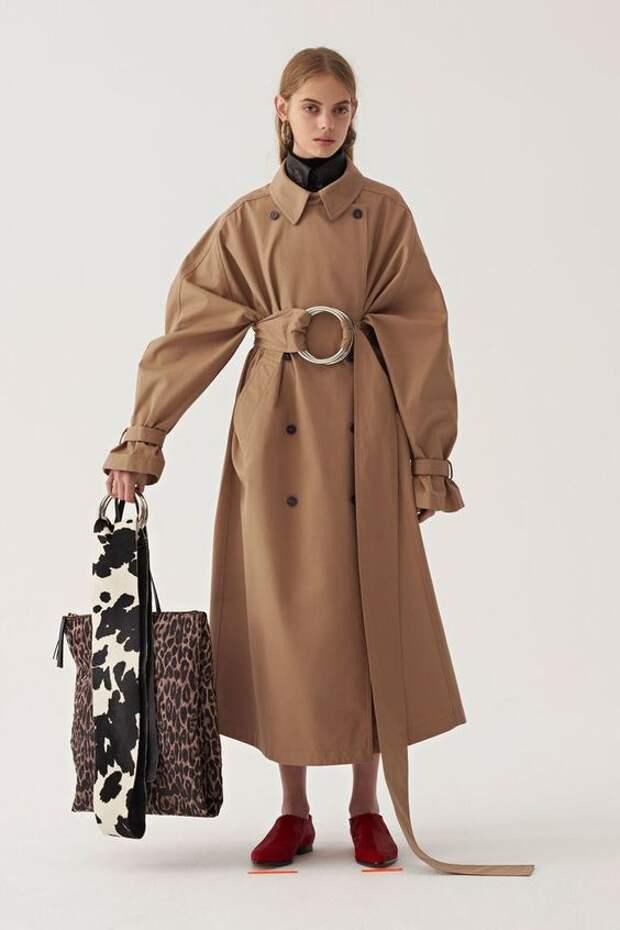Модные фасоны плащей: обновите свой гардероб к осени