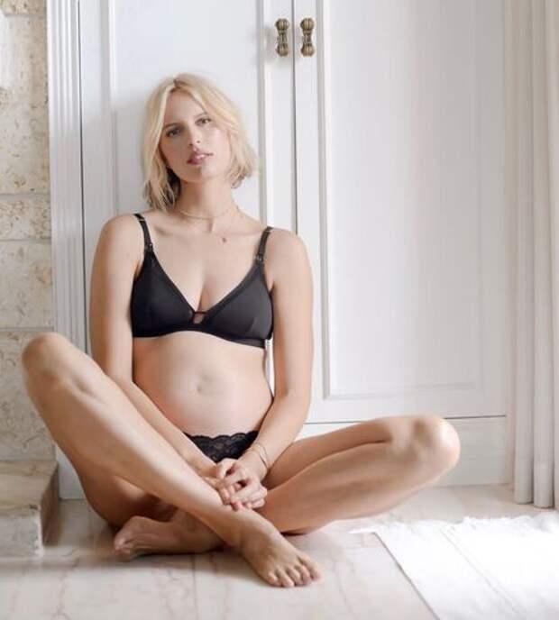 Каролина Куркова в третий раз стала мамой