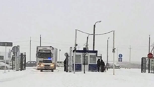Порошенко попросил Россию закрыть границу с Украиной