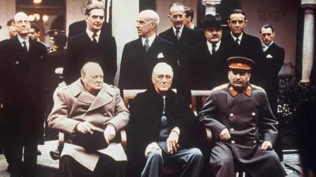 Не надо спасать рядового Сталина. Генералиссимус в состоянии справиться сам