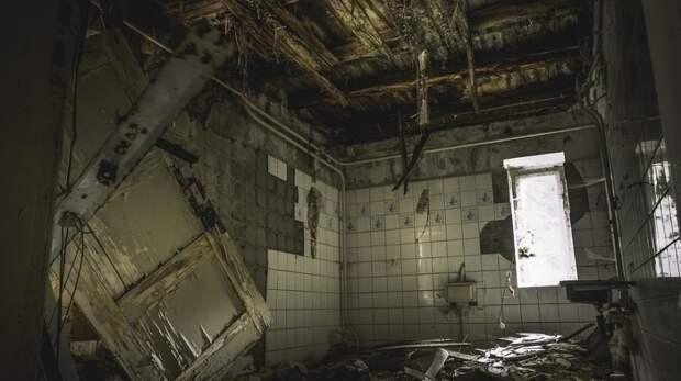 СК Хабаровска возбудил дело после падения подростка с заброшенного здания