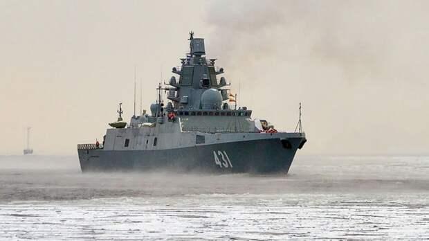 ВМФ РФ отслеживает действия эсминца США в Балтийском море