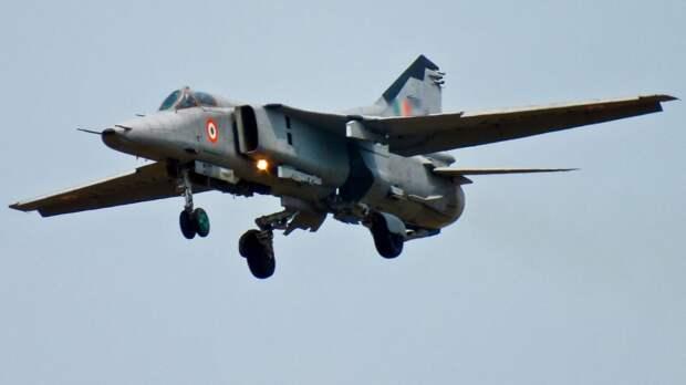 Самолет МиГ- 27 разбился в Индии