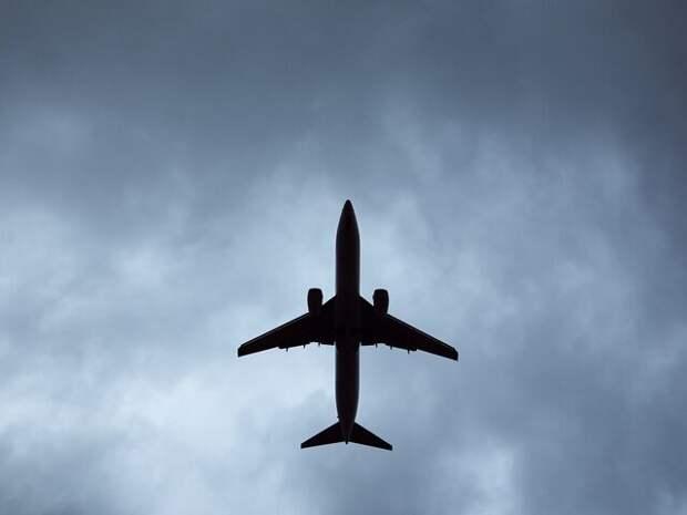 Все иностранные авиакомпании приостановили рейсы в Израиль – СМИ