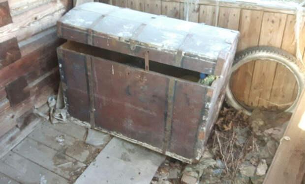 Старый сундук: находка в брошенном контейнере