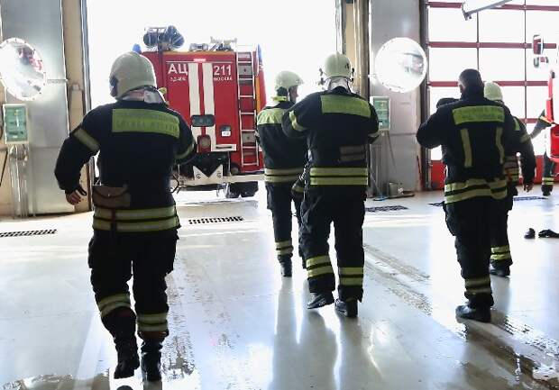 В Прибрежном проезде от пожара пострадал рабочий