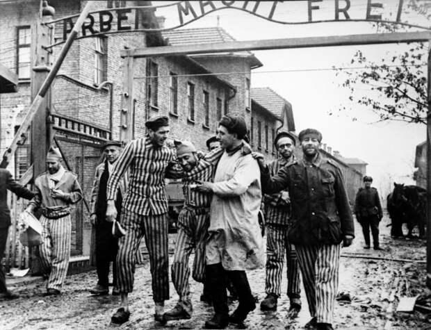 Кто открывал ворота Освенцима