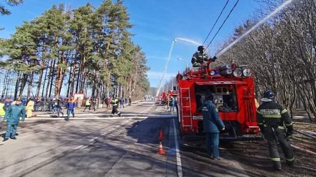 Смольный установит особый противопожарный режим в Петербурге