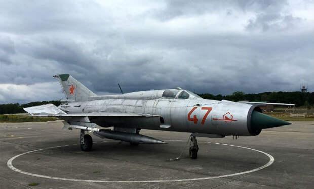 Побег от НАТО: советский летчик приземлился на немецком аэродроме и сбежал