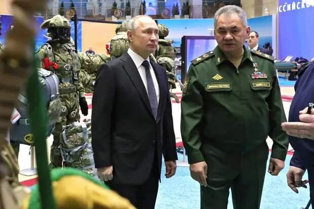 Шойгу рассказал, что НАТО тренируется наносить авиаудары по России
