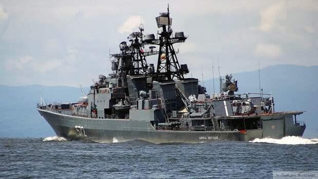 """БПК """"Адмирал Виноградов"""" пресек нарушение границы эсминцем ВМС США"""