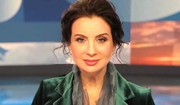 Телеведущая Екатерина Стриженова упала в прямом эфире
