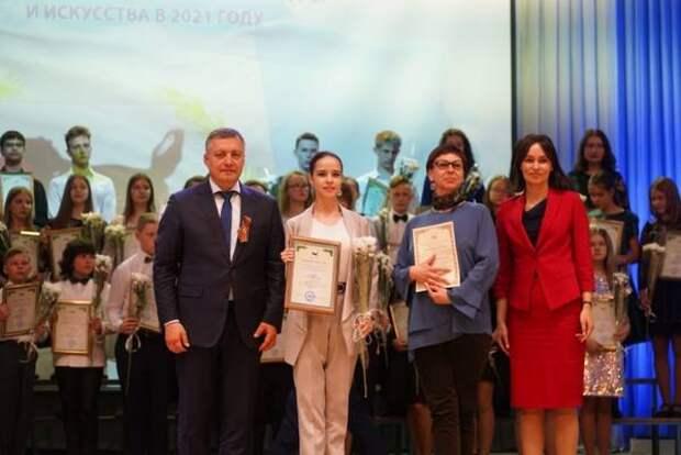 60 одаренных детей получили стипендии губернатора Приангарья