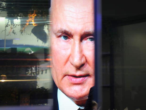 Путин сообщил, когда россияне смогут свободно ездить за границу