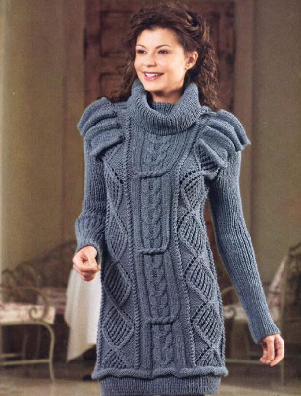 Рельефное вязаное платье