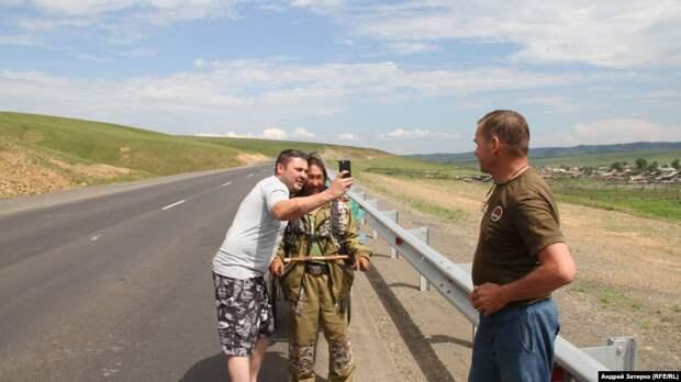 В Чите шаман, идущий изгонять Путина, собрал массовый митинг