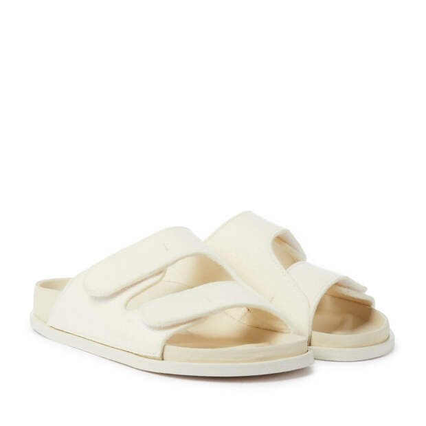 Носки + летняя обувь: инструкция