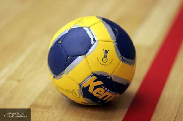 Подарок от российского болельщика растрогал до слез шведского тренера