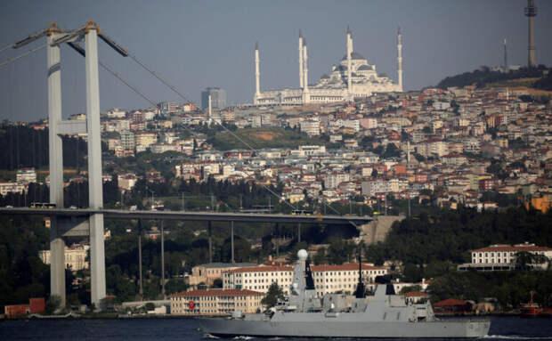 Times узнала об отправке кораблей ВМС Британии в Черное море