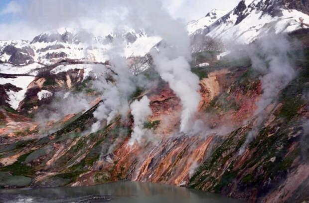 В вулкане на Камчатке обнаружили два новых минерала