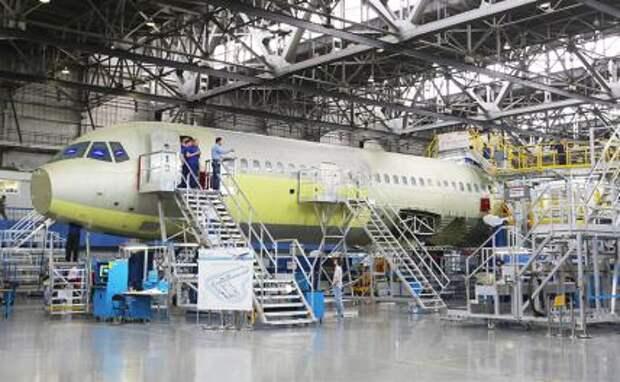На фото: сборка магистрального самолета МС-21