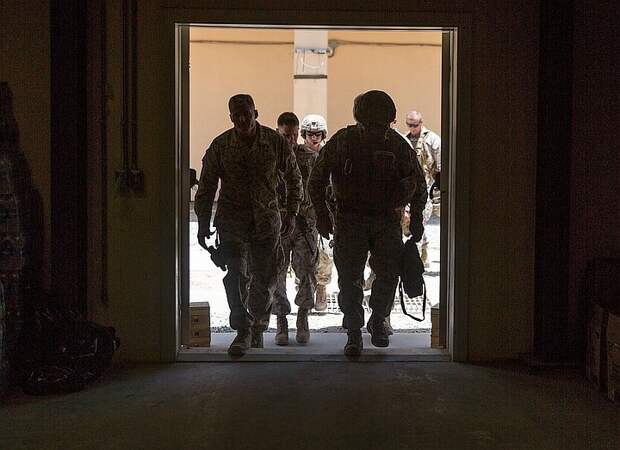 Российские военные обеспокоены интенсивным перемещением техники коалиции США в Сирии