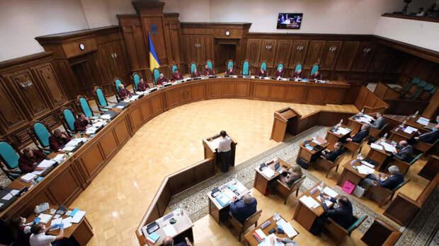 «Политические мотивы преобладают над справедливостью»: как Зеленский реформирует судебную систему Украины